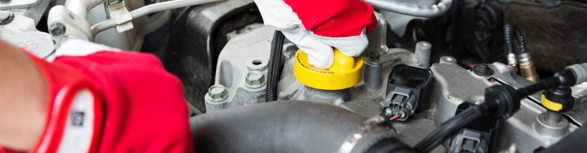 mechanic check vehicle engine